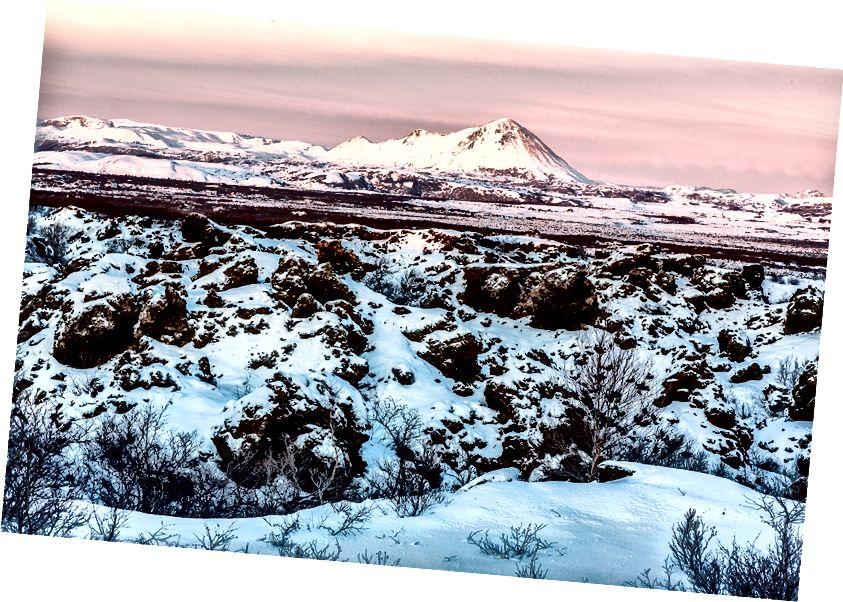 Lav alanı ve günbatımı, Dimmuborgur lav alanı Dağı'nda