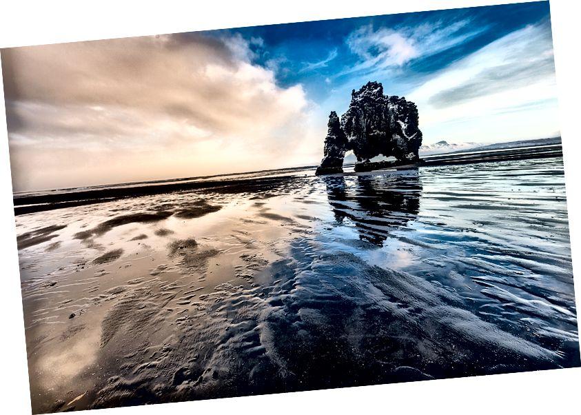 Hvitserkur (dinozor kaya) gün batımında, Vatnsnes Yarımadası