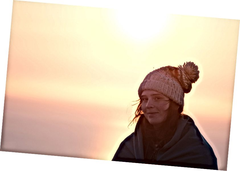 Rausu üzerinde güneşin doğuşunu görmek için çok erken çıkıyoruz. Gerçekten kanlı soğuktu.