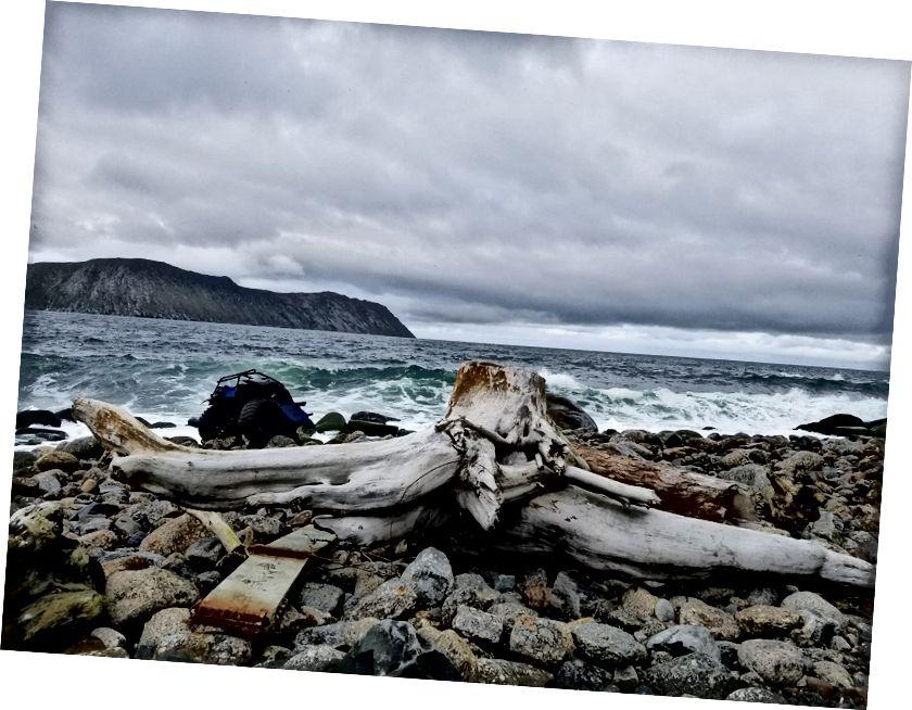 Doğu'nun Batı olduğu yer. Rusya, dar Bering Boğazı'nın karşısındadır. Fotoğraf: Will Jelbert