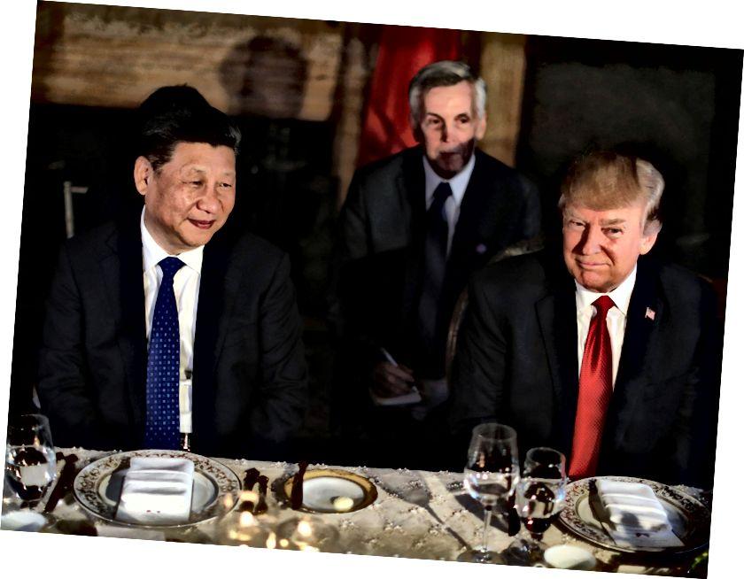 У Китаї вони помістять невеликий шматочок масла між вами та вашим господарем. Це лише для урочистих цілей, виготовлене з грудного молока панди та смертельно отруйне. Не чіпай! (Кредит: www.independent.co.uk)