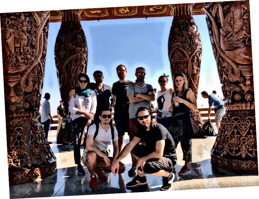 Перша група огляд пам'яток храму Дой Сутеп