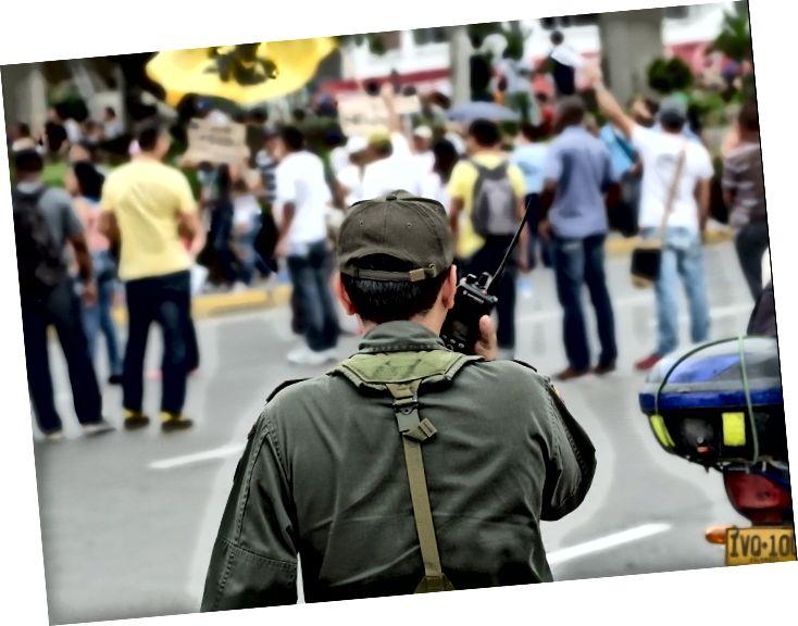 Cumhurbaşkanı Juan Manuel Santos hükümetine karşı protestolar.