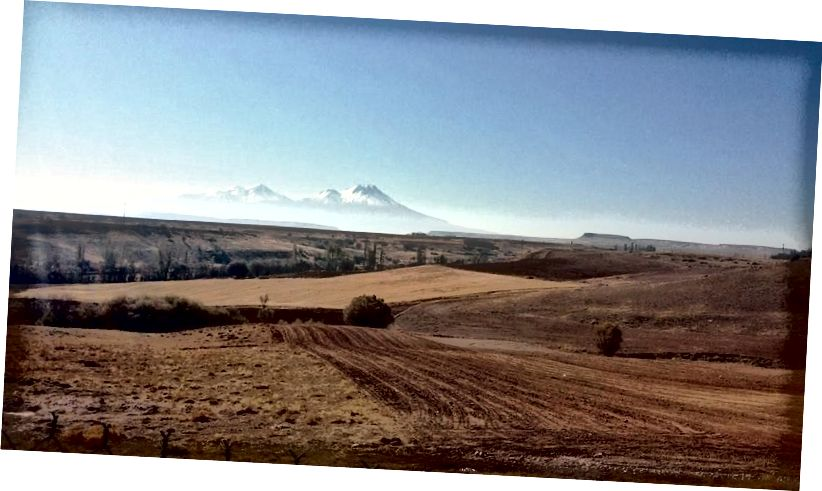 Núi lửa được gọi là Hasan Dağı hoặc Hasandağ (Núi Hasan)