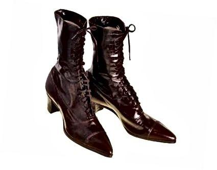 зображення з найкращого старовинного одягу (немає приналежності до авторів) | Естер, я вважаю, ти скинула черевики.