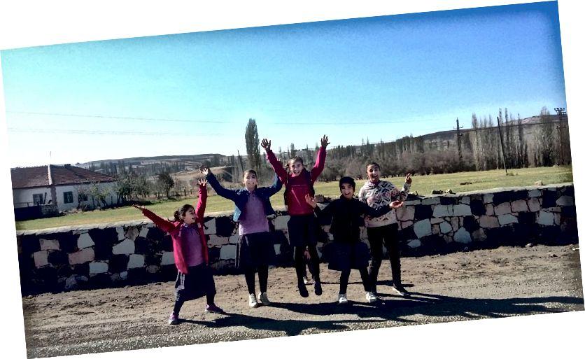 Nhảy cho niềm vui tại Gülağaç