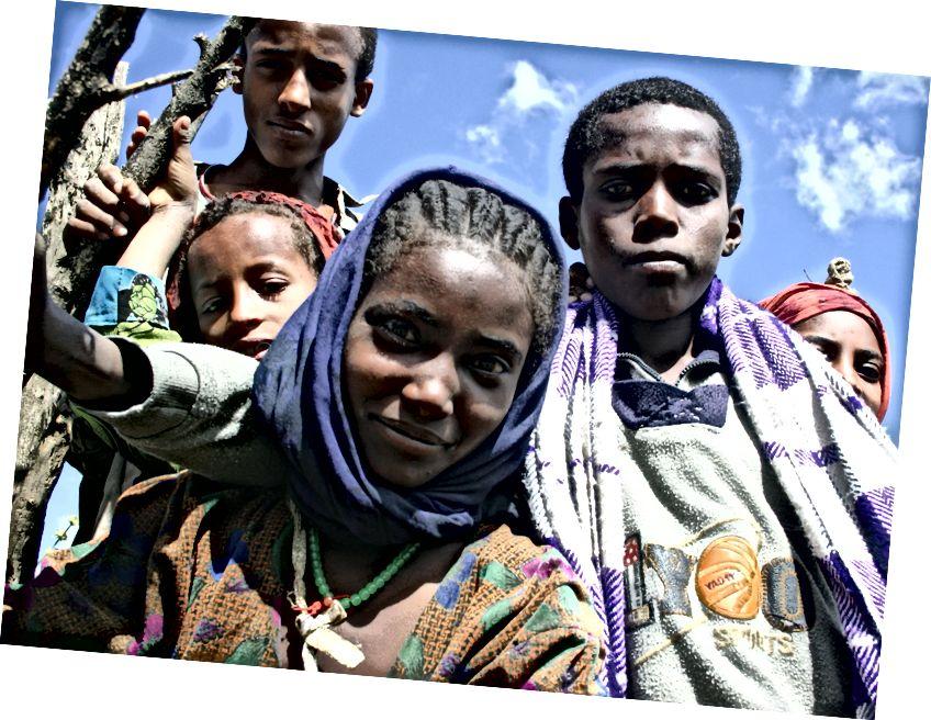 Köy çocukları (Flickr CC // Leonard Floyd)