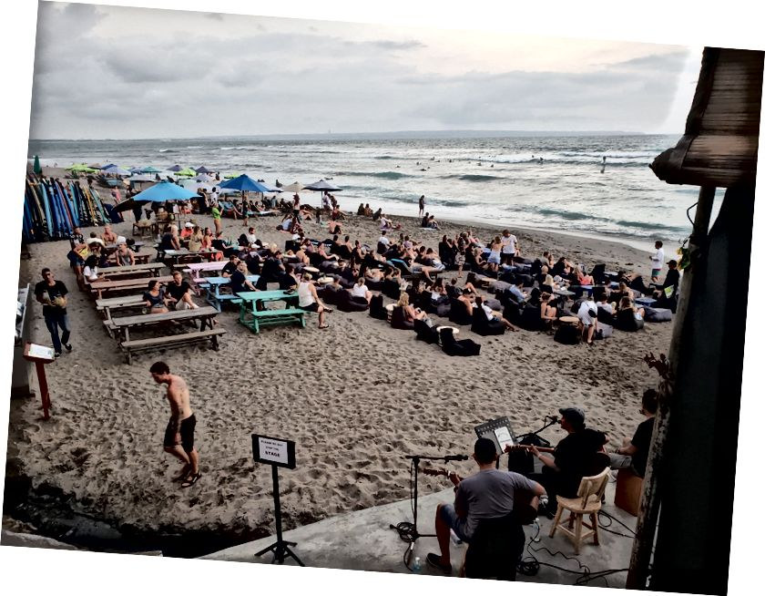 Щоденна жива музика на Sandbar For Sunset