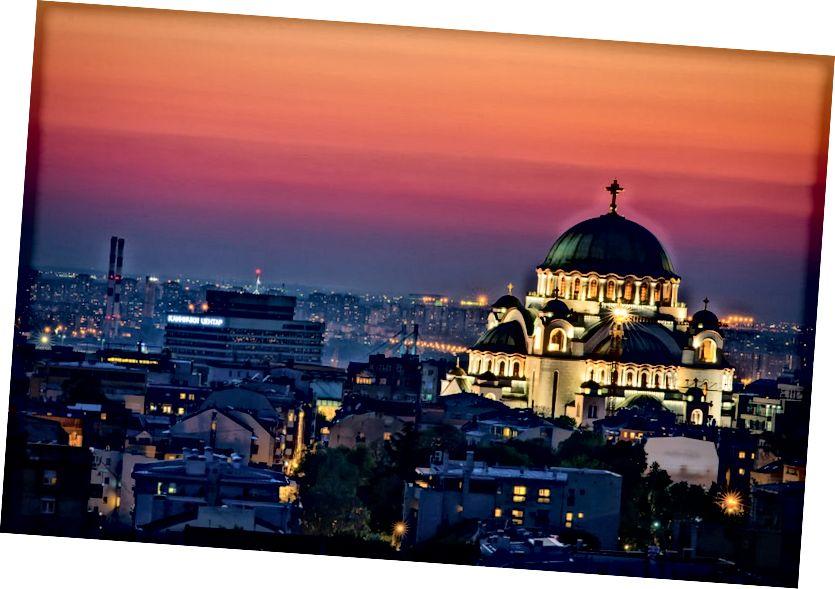 Belgrad'daki Saint Sava Kilisesi'ni kaçırmak zor | © Nenad Dedomacki / Shutterstock