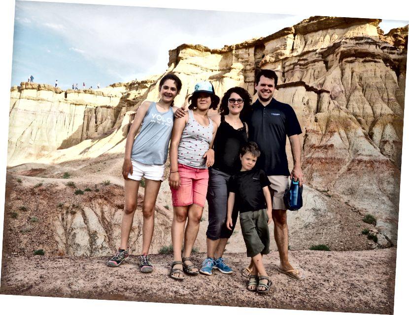 Vách đá rực lửa (Bayanzag), trên sa mạc Gobi