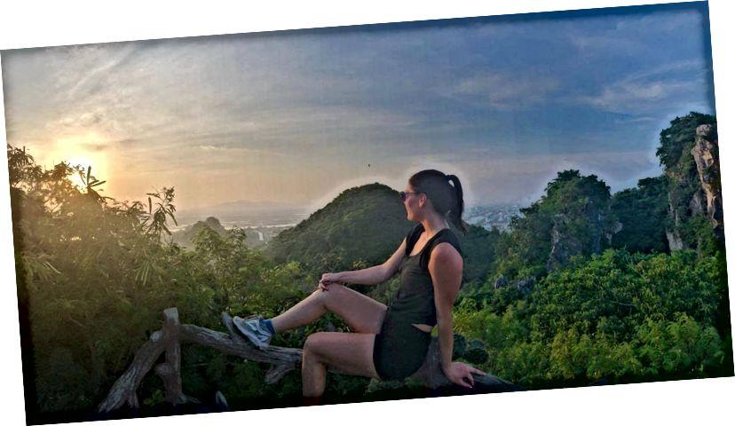 Захід сонця з Мармурових гір у Да Нангу.