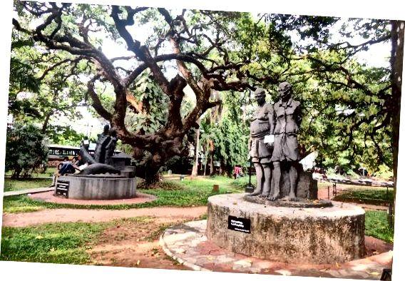 Quảng trường Mananchira: cây di sản với những nút thắt phức tạp