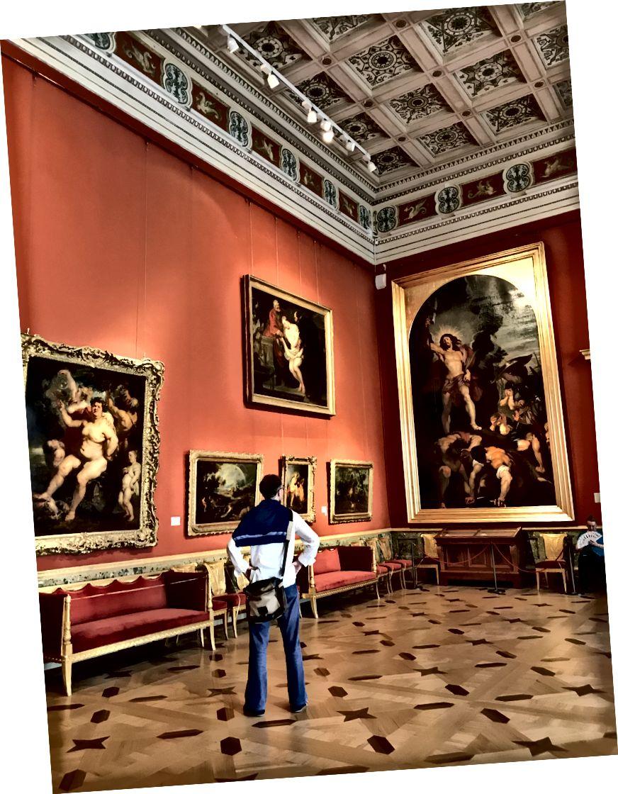 Andrey, Hermitage Müzesi içindeki Rubens sanat eserine hayran kalır.