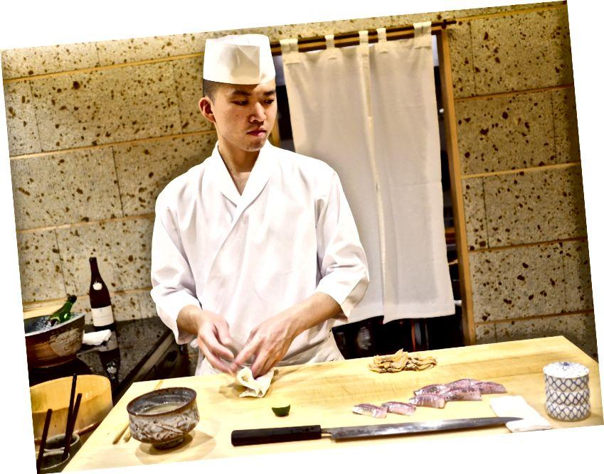 เชฟ Takahashi: อดีตศิษย์ของ Sushi Saito
