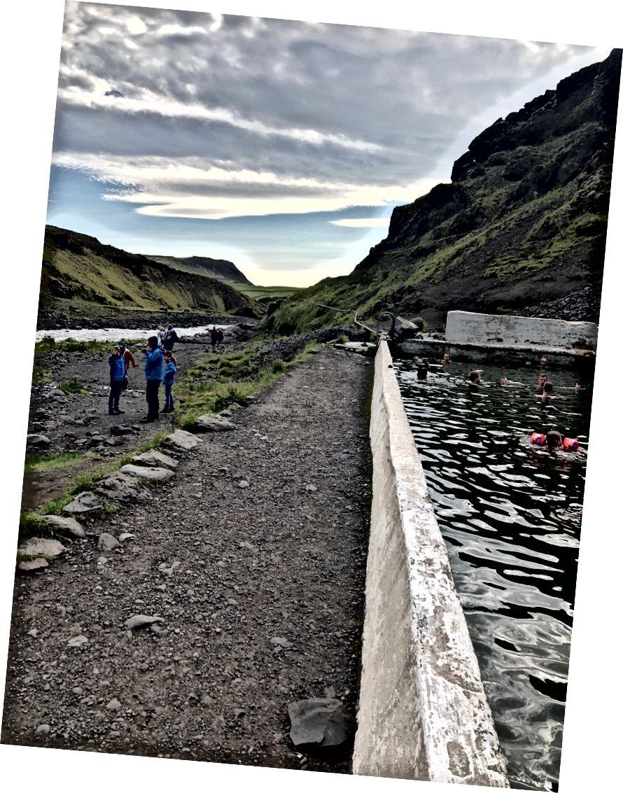 Seljavallalaug, den eelste Geothermesche Pool an Island. 1923 gebaut