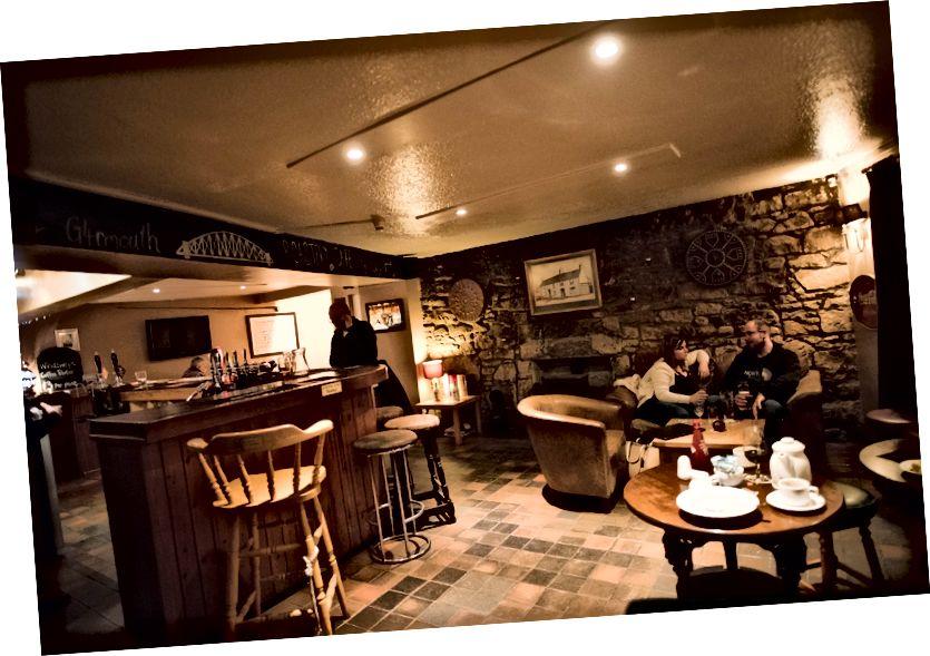 Garmouth Hotel Bar Bölgesi