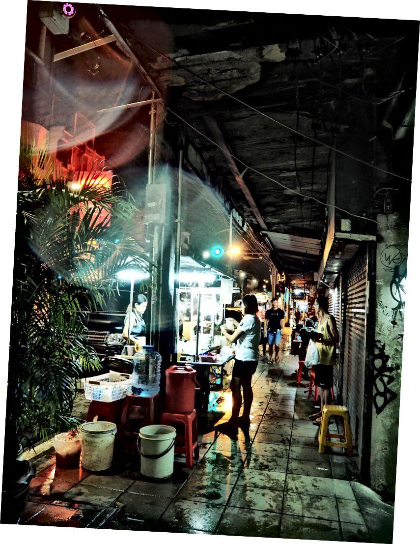 Thức ăn đường phố ở Bangkok. Không có trong danh sách xô của tôi nhưng tốt hơn, và được hưởng nhiều hơn tôi mong đợi.