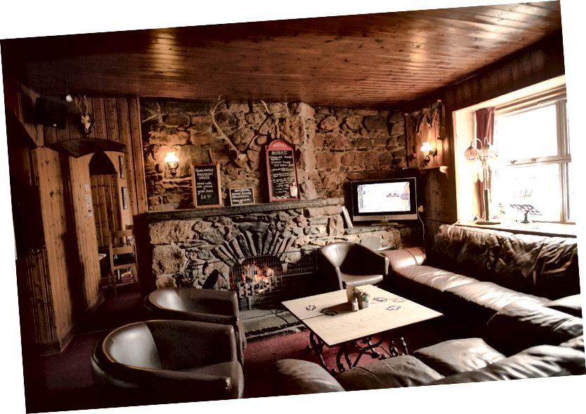 Glenavon Hotel Şömineli Dinlenme Salonu