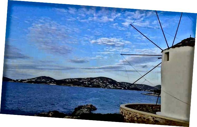 Những cơn gió bất tận trên Paros, Hy Lạp