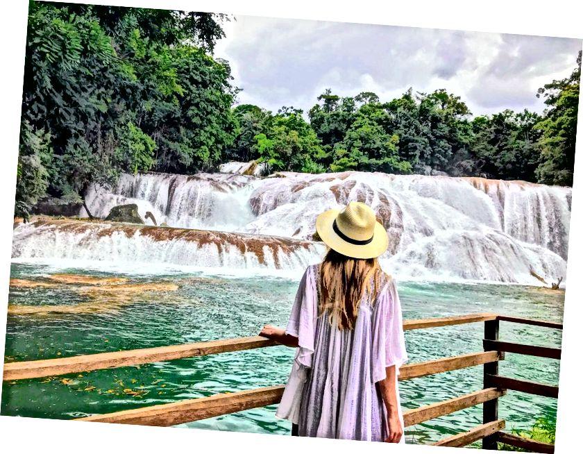Agua Azul, Chiapas, Meksika (su gerçekten bu renge sahiptir)