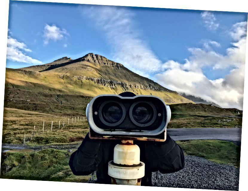 Slættaratindur, güneşli bir günde en yüksek Faroese zirvesi. Bana göre fotoğraf.
