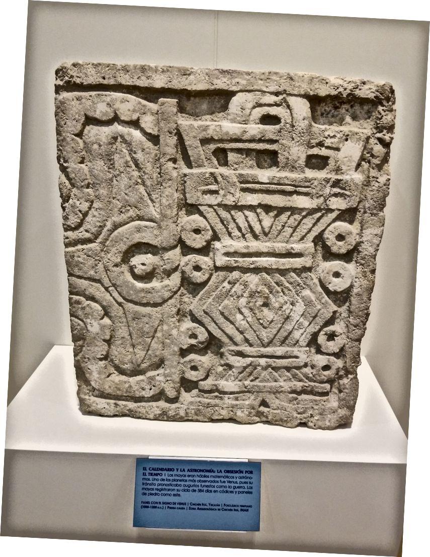 """Maya takviminin bir parçası! (Evet, 2012'de """"sona eren""""). Hotel Zone'daki Maya arkeoloji müzesinde."""