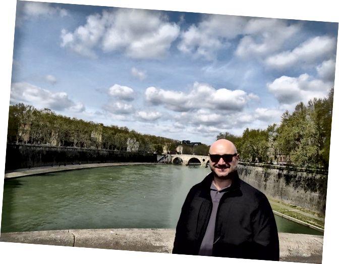 Ентоні Спіріто під час візиту до Італії