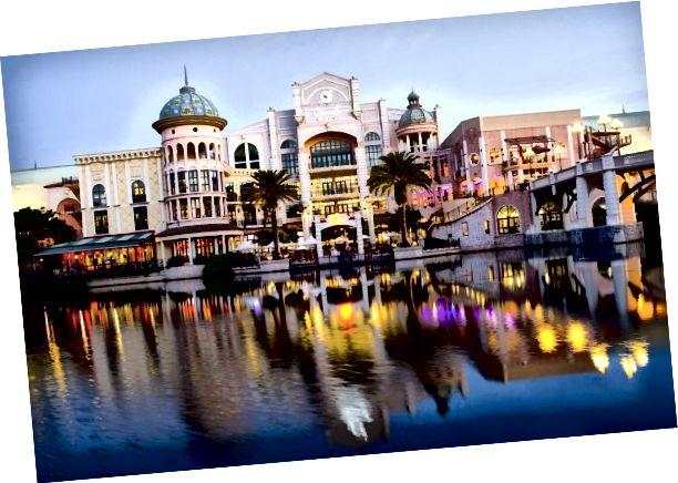 Fotoğraf kredisi: Canal Walk Alışveriş Merkezi