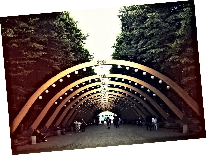สวน Gorky, Sokolniki และ Zaryadye ที่เพิ่งเปิดใหม่เป็นเพียงบางส่วนของสวนสาธารณะที่ชื่นชอบของ Alex ในมอสโก