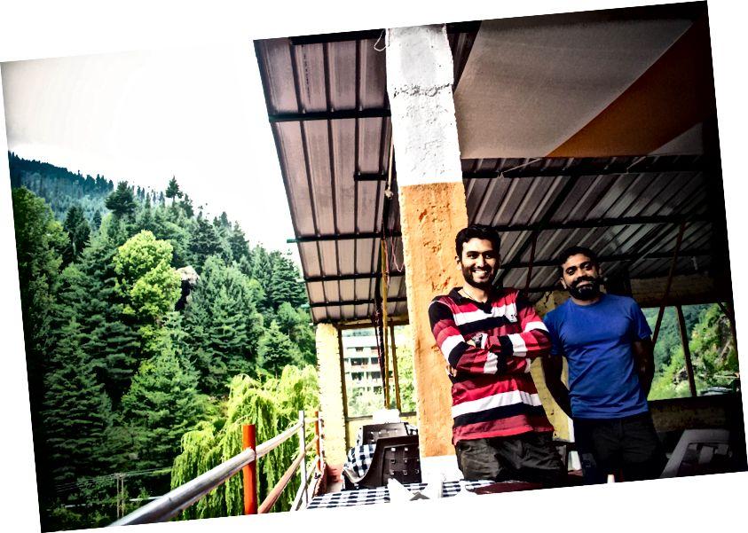Момци из Бангалореа који су такође возили бициклистичку руту Манали - Лех