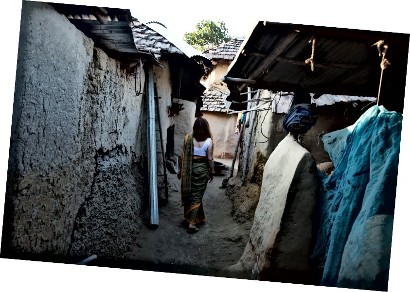 Ngôi làng về cơ bản được làm bằng tay