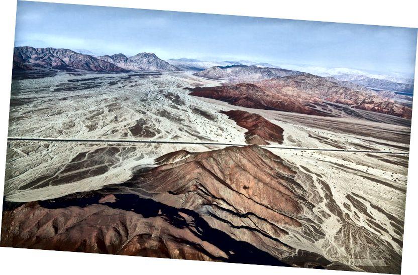Лінії та геогліфи в пустелі Наска, Перу | © Вадим Петраков / Shutterstock
