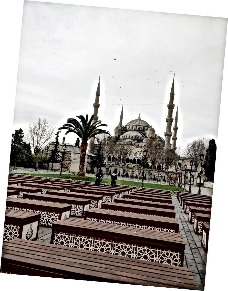 Sultanahmet Camii; En Yakın İstasyon: Sultanahmet