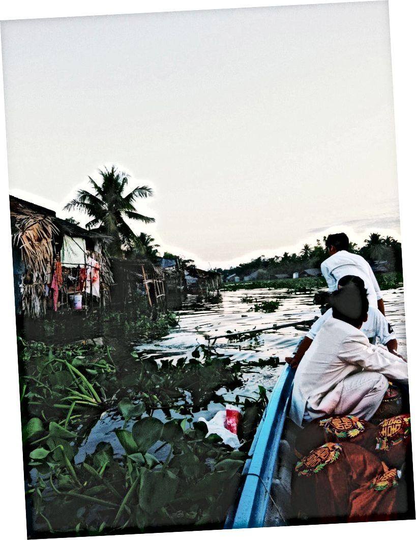 Младожења и његови поклони у Рацх Гиа, Вијетнам - 2011