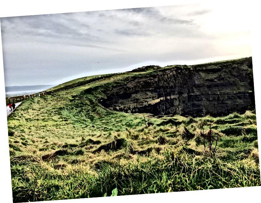 İrlanda moher kayalıklarla.