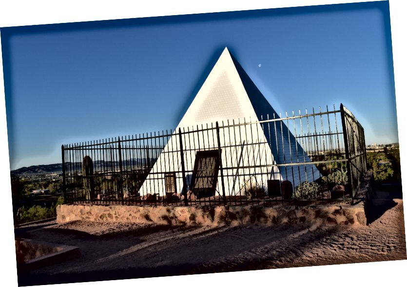 Gouverneur Hunt's Pyramid Tomb in Papago Park