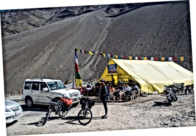 Bright and Sunny Day at ZingZingbar, set up the momentum for the climb to BaralachaLa pass (4890 msl)