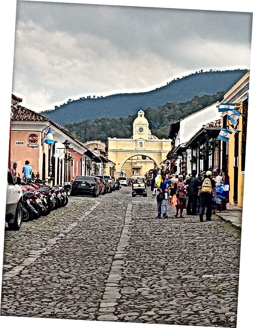 Антигуа Гватемала фото Аукай Данн