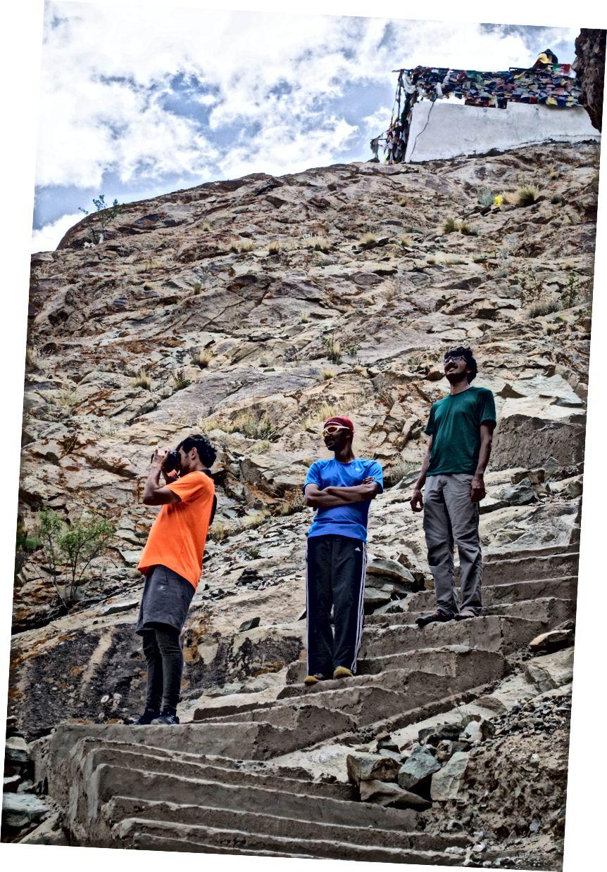 Дечаци у манастиру Хемис, Ладакх