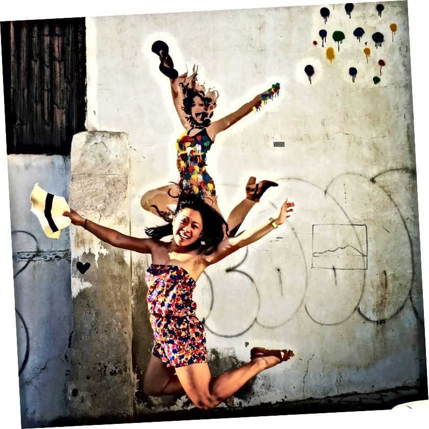 Ізраїльське вуличне мистецтво змушує мене стрибати від радості.