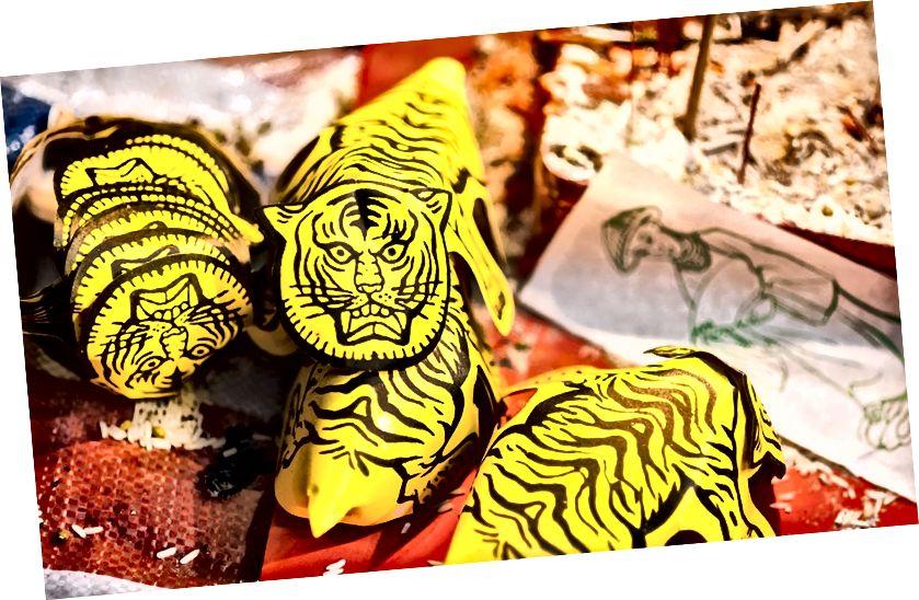 Церемонія, як кажуть, утримує Бай Ху (білого тигра) в страху і, таким чином, допомагає зберегти свій стан | Надано Управою туризму Гонконгу