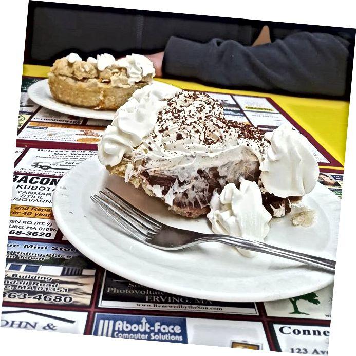 Шоколадний кремовий пиріг в Shady Glen