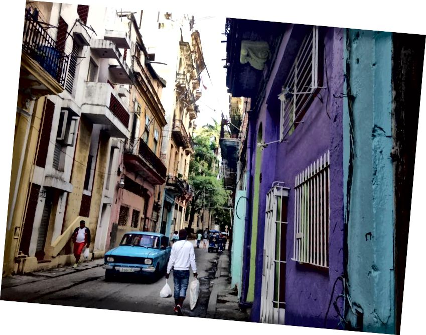 Ранок у Habana Vieja.