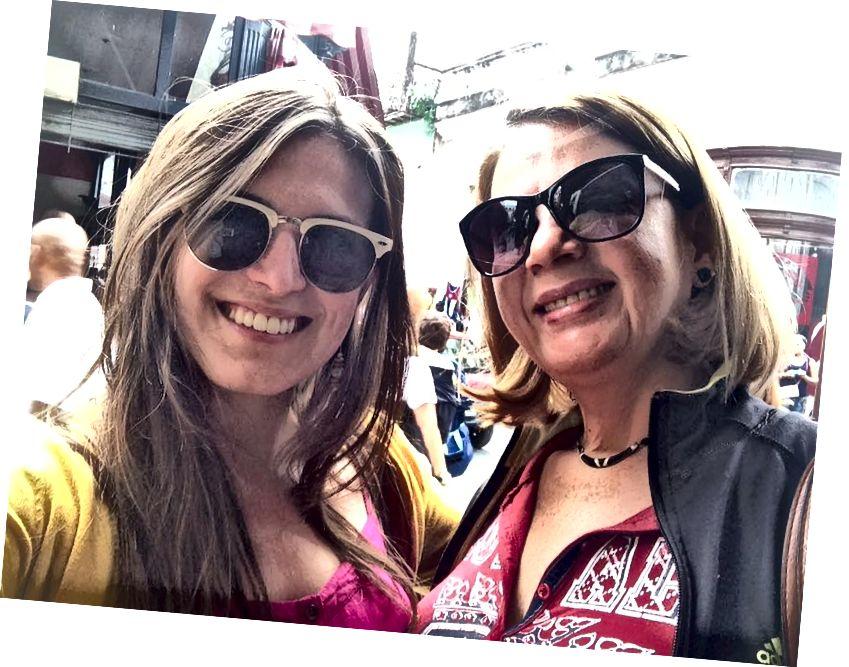Друга, якого я зустрів у лінійці на ім'я Дейзі. Вона попросила нас сфотографуватися разом, і ми кілька разів надсилали електронну пошту назад і назад.