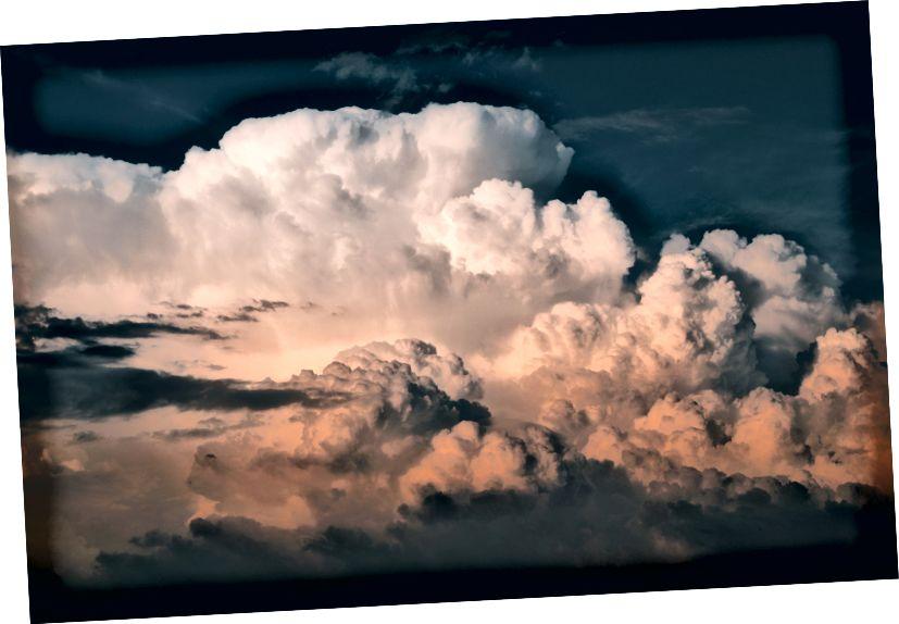 """Unsplash üzerinde Cédric Dhaenens tarafından """"beyaz bulutlu gökyüzü"""""""