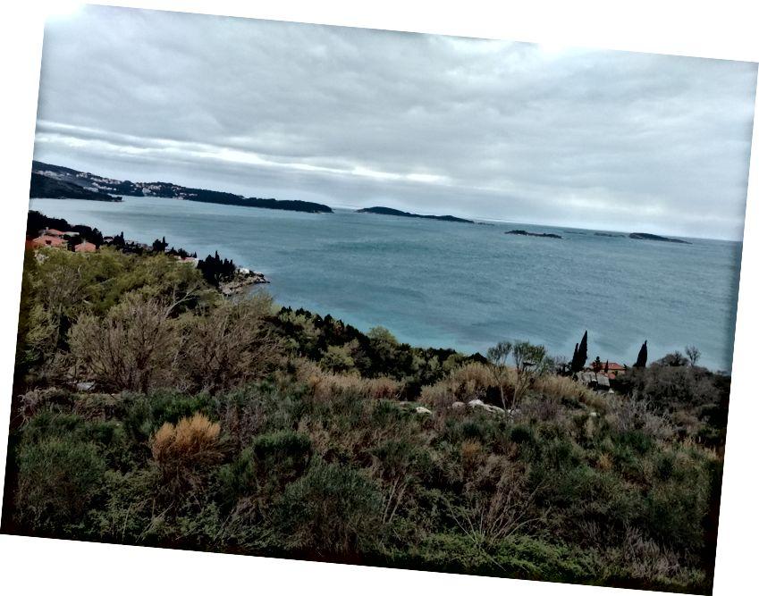 Cảnh quan Croatia và bờ biển.