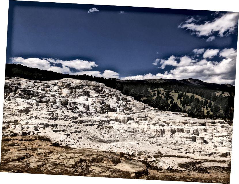 Sıcak suların durduğu yerde; Minerva Teras; Mamut Kaplıcaları Yellowstone