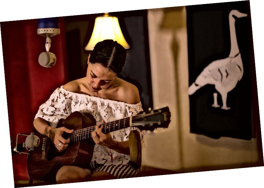 Nghệ sĩ đoạt giải Grammy Natalia Lafourcade | © El Ganzo