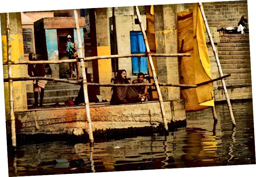 «Στο Γάγγη», Βαρανάσι Ινδία, φωτογραφία © Erika Burkhalter
