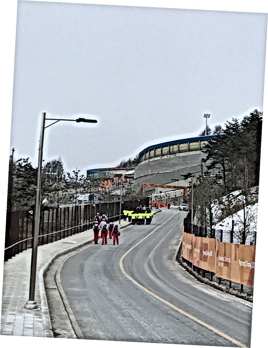 Tepeyi Olimpiyat Kayma Merkezine doğru ilerletmek